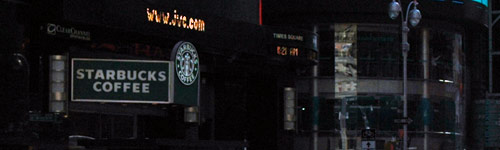 Eine von 171 Starbucks-Filialen in Manhattan (Times Square)