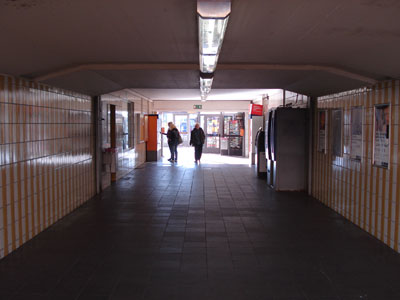 Bahnhof (innen)