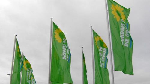 Fahnen vor der Messe Erfurt