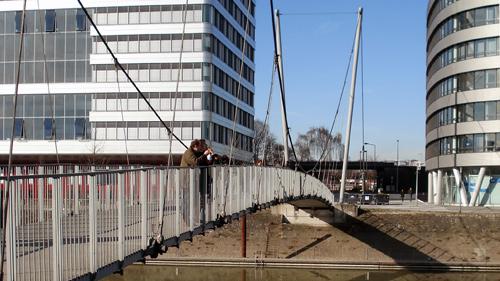 Fußgängerbrücke im Innenhafen Duisburg
