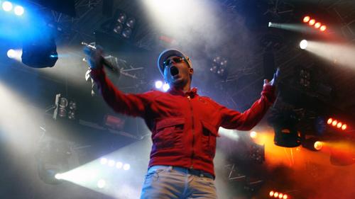König Boris von Fettes Brot beim Haldern Pop 2009.