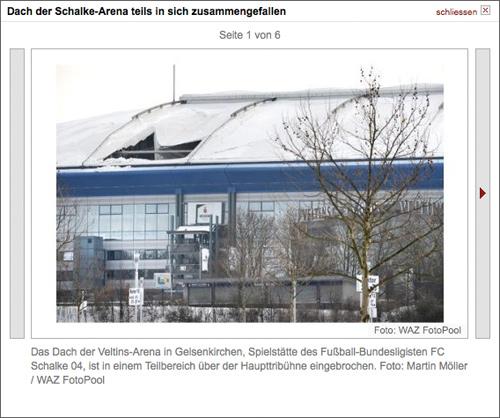 Das Dach der Veltins-Arena in Gelsenkirchen, Spielstätte des Fußball-Bundesligisten FC Schalke 04, ist in einem Teilbereich über der Haupttribühne eingebrochen. Foto: Martin Möller / WAZ FotoPool