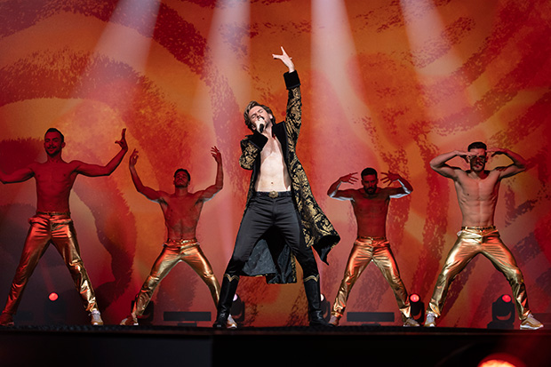"Dan Stevens als Alexander Lemtov in ""Eurovision Song Contest: The Story of Fire Saga"""
